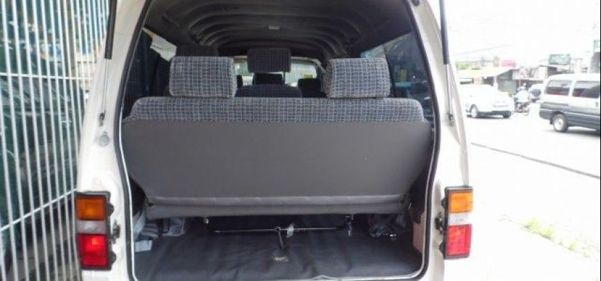 Nissan Urvan 2011 - 6