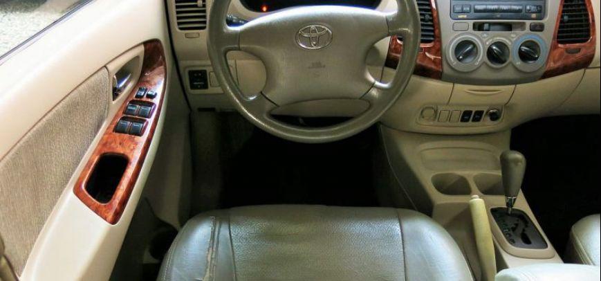 Toyota Innova 2007 - 10