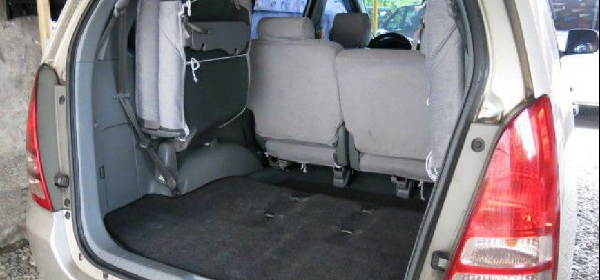 Toyota Innova 2008 - 7