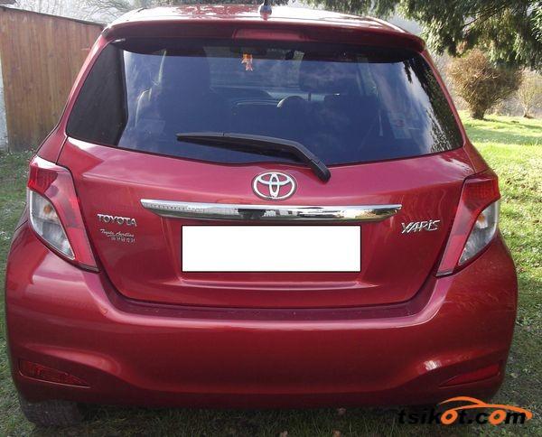 Toyota Yaris 2012 - 3