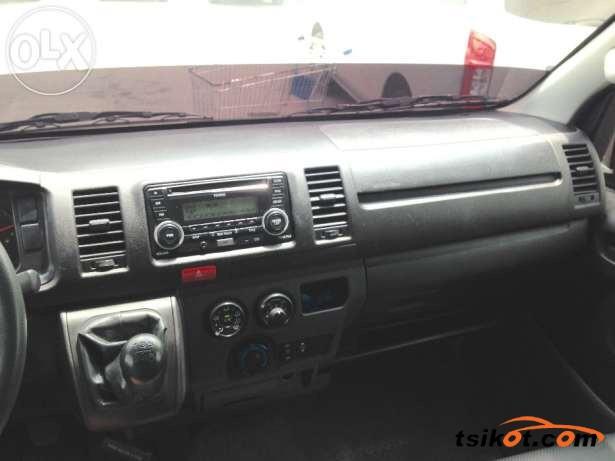 Toyota Hi-Ace 2014 - 6