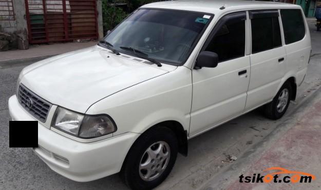 Toyota Venture 2002 - 2