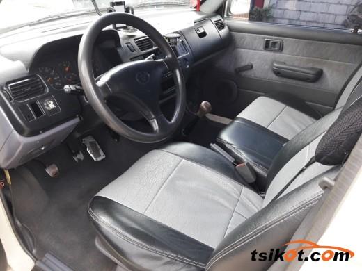 Toyota Venture 2002 - 6