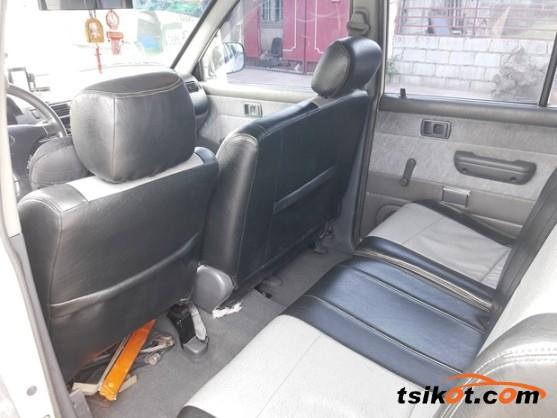 Toyota Venture 2002 - 8