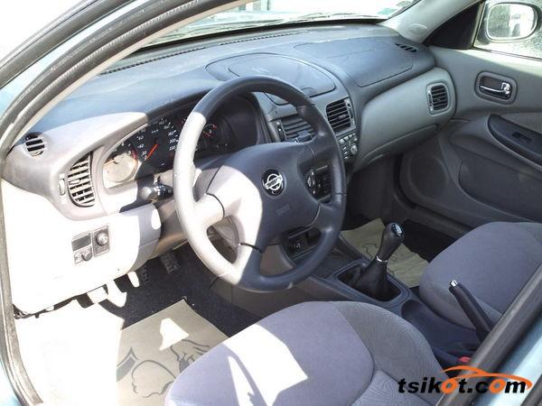 Nissan Almera 2001 - 2
