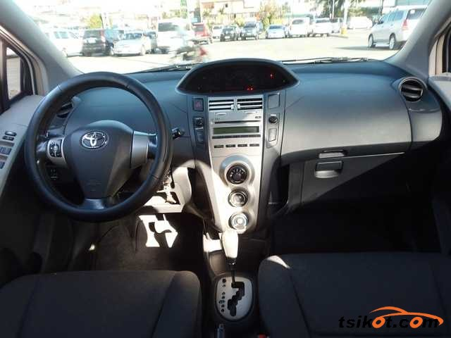 Toyota Yaris 2010 - 2