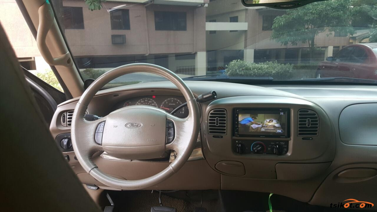 Ford Expedition 2003 - 4