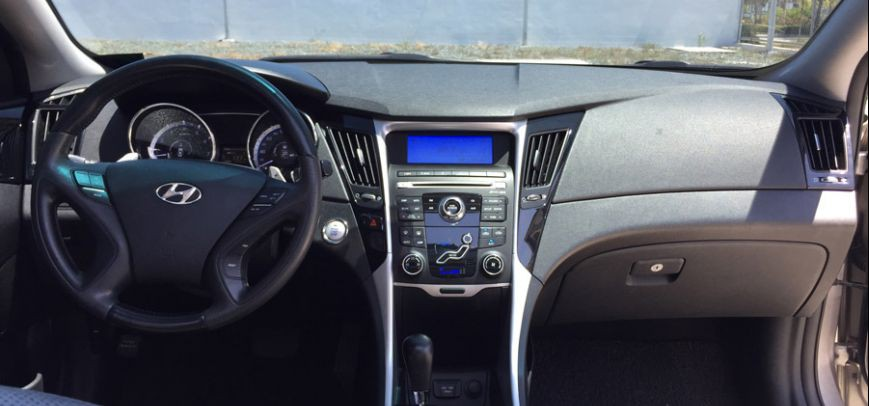 Hyundai Sonata 2010 - 19