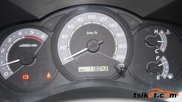 Toyota Innova 2010 - 9
