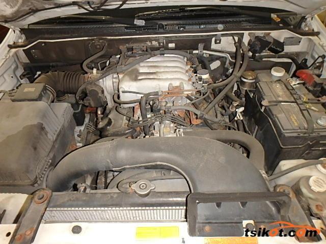 Mitsubishi Montero 2003 - 6