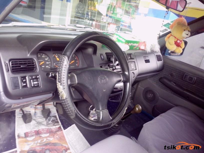 Toyota Rav 2000 - 6
