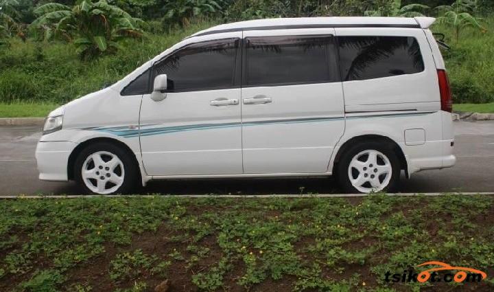 Nissan Serena 2009 - 8