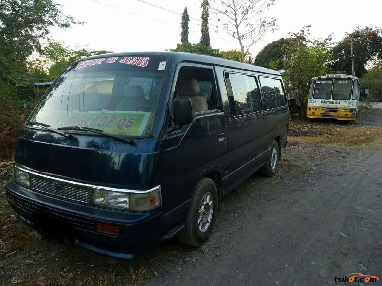 Nissan Urvan 1997 - 3