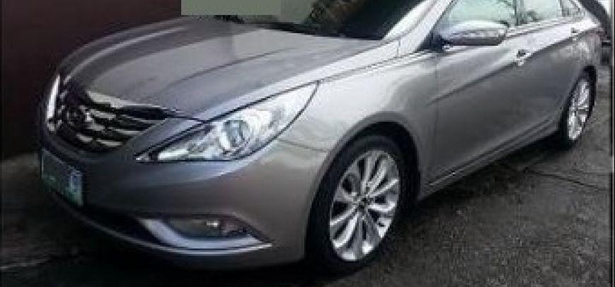 Hyundai Sonata 2011 - 1
