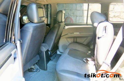 Mitsubishi Montero 2010 - 4