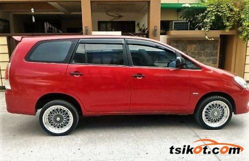 Toyota Innova 2009 - 3