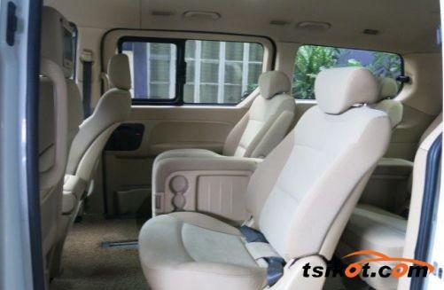 Hyundai Starex 2010 - 4