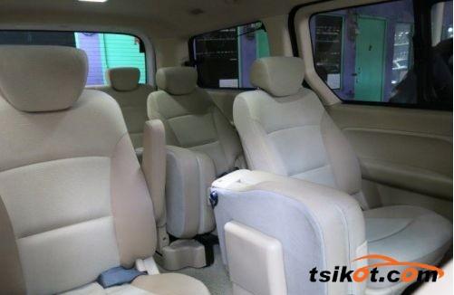 Hyundai Starex 2010 - 5