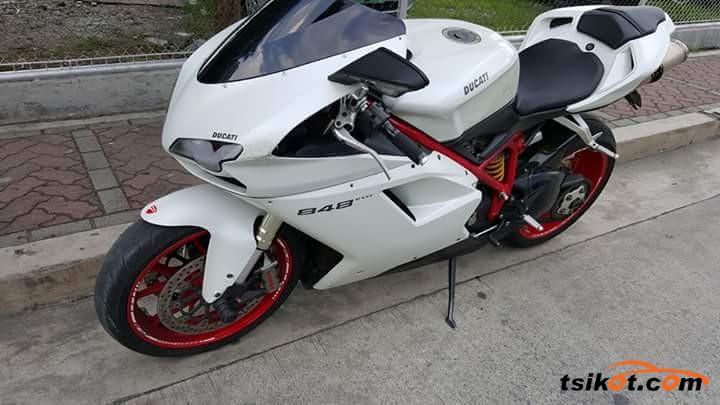 Ducati 848 Evo 2012 - 4