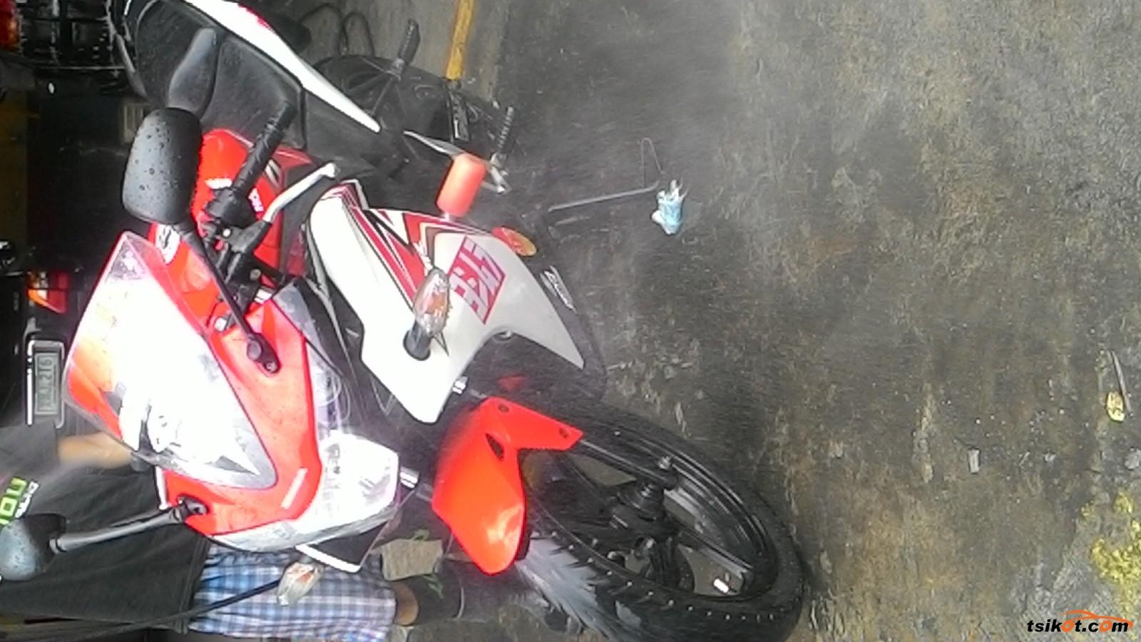 Honda Cbr 150R 2013 - 6