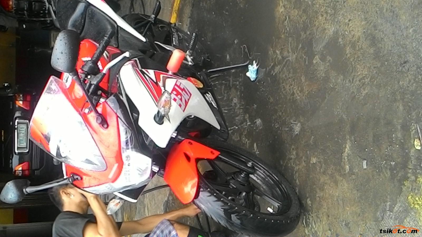 Honda Cbr 150R 2013 - 7