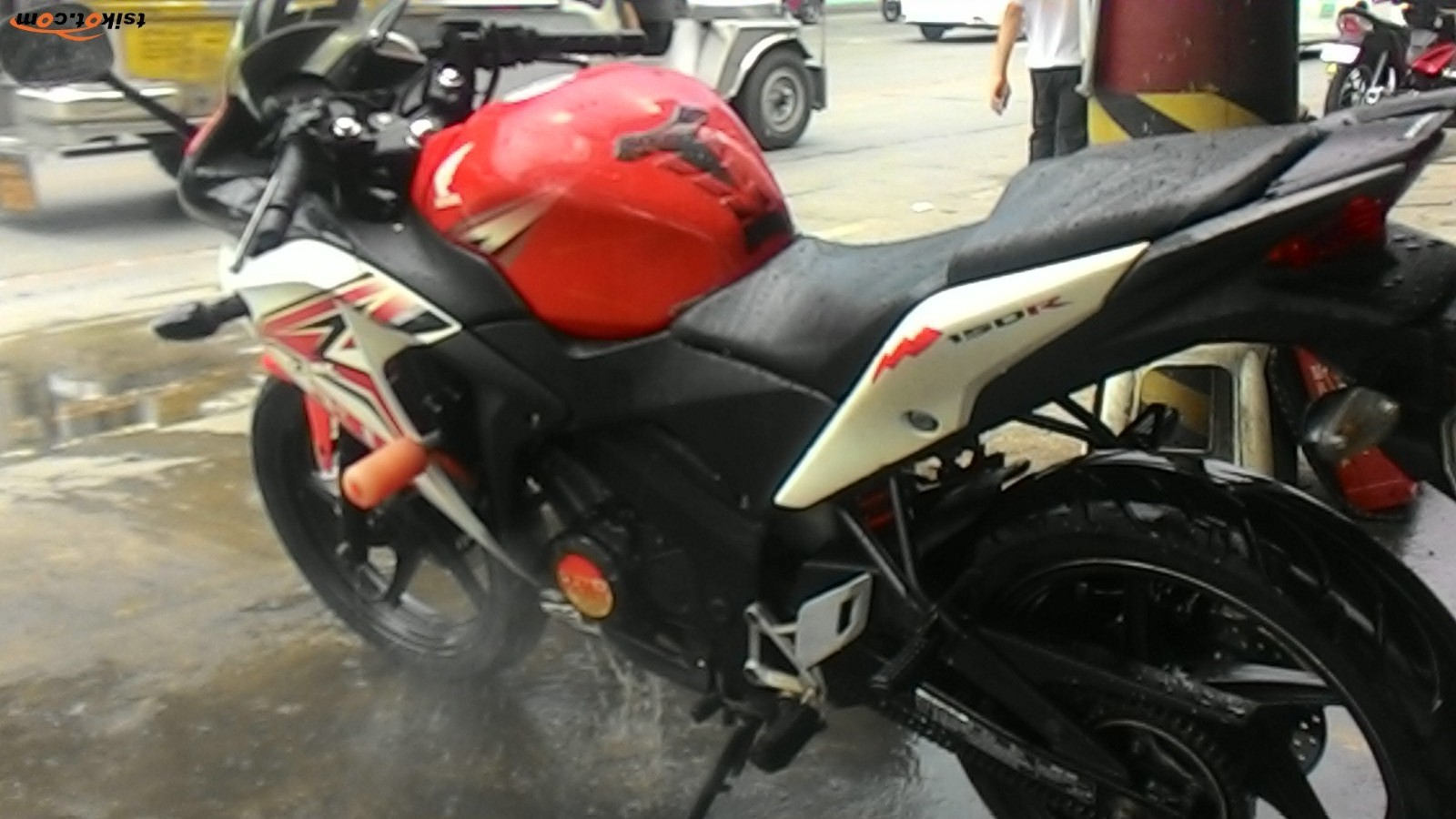Honda Cbr 150R 2013 - 9