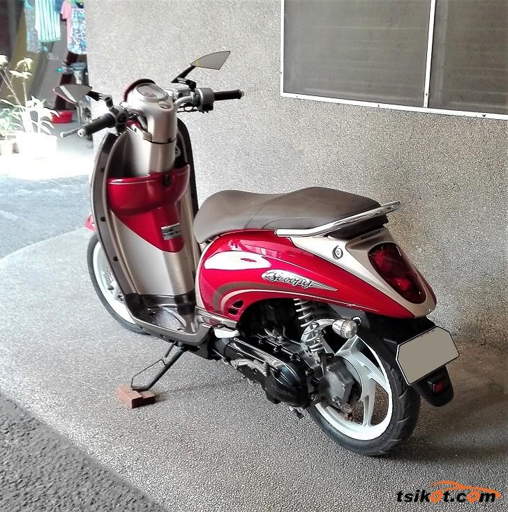 Honda Scoopy 2014 - 3