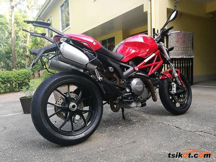 Ducati 750 Monster 1998 - 2