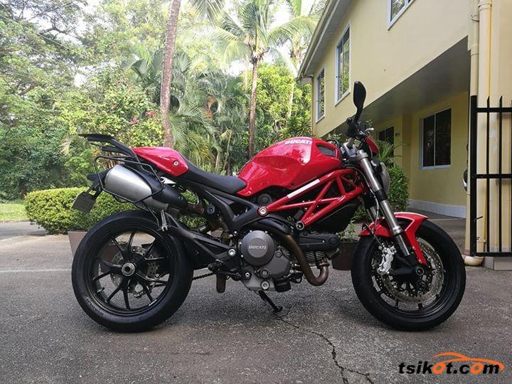Ducati 750 Monster 1998 - 3