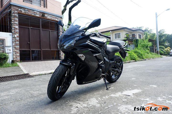 Kawasaki Er-6N 2013 - 1