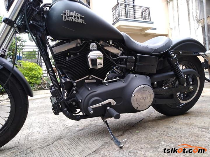 Harley-Davidson Dyna Street Bob 2013 - 3