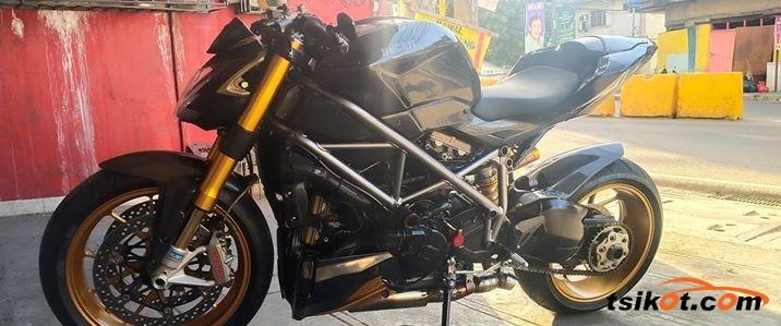 Ducati Streetfighter S 2010 - 1