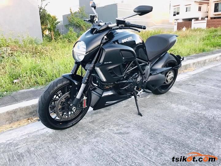 Ducati Diavel 2013 - 1