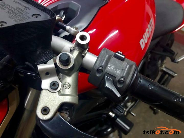 Ducati Streetfighter S 2009 - 3
