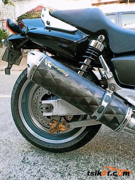 Honda X4 1997 - 4