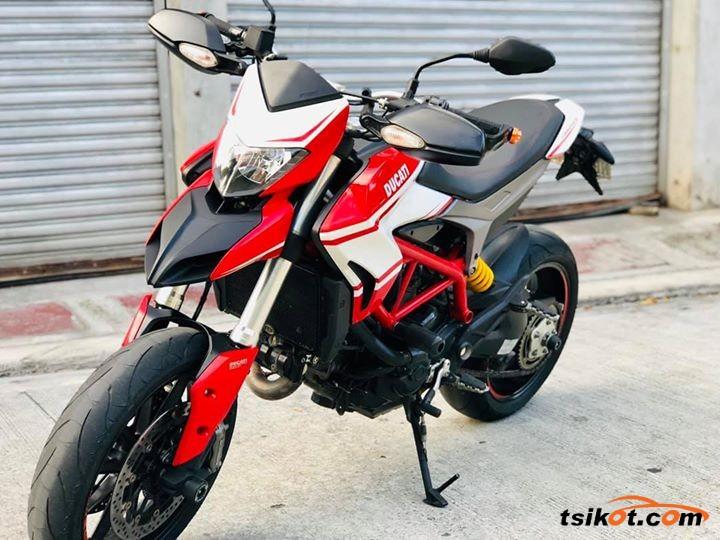 Ducati Hypermotard Sp 2013 - 1
