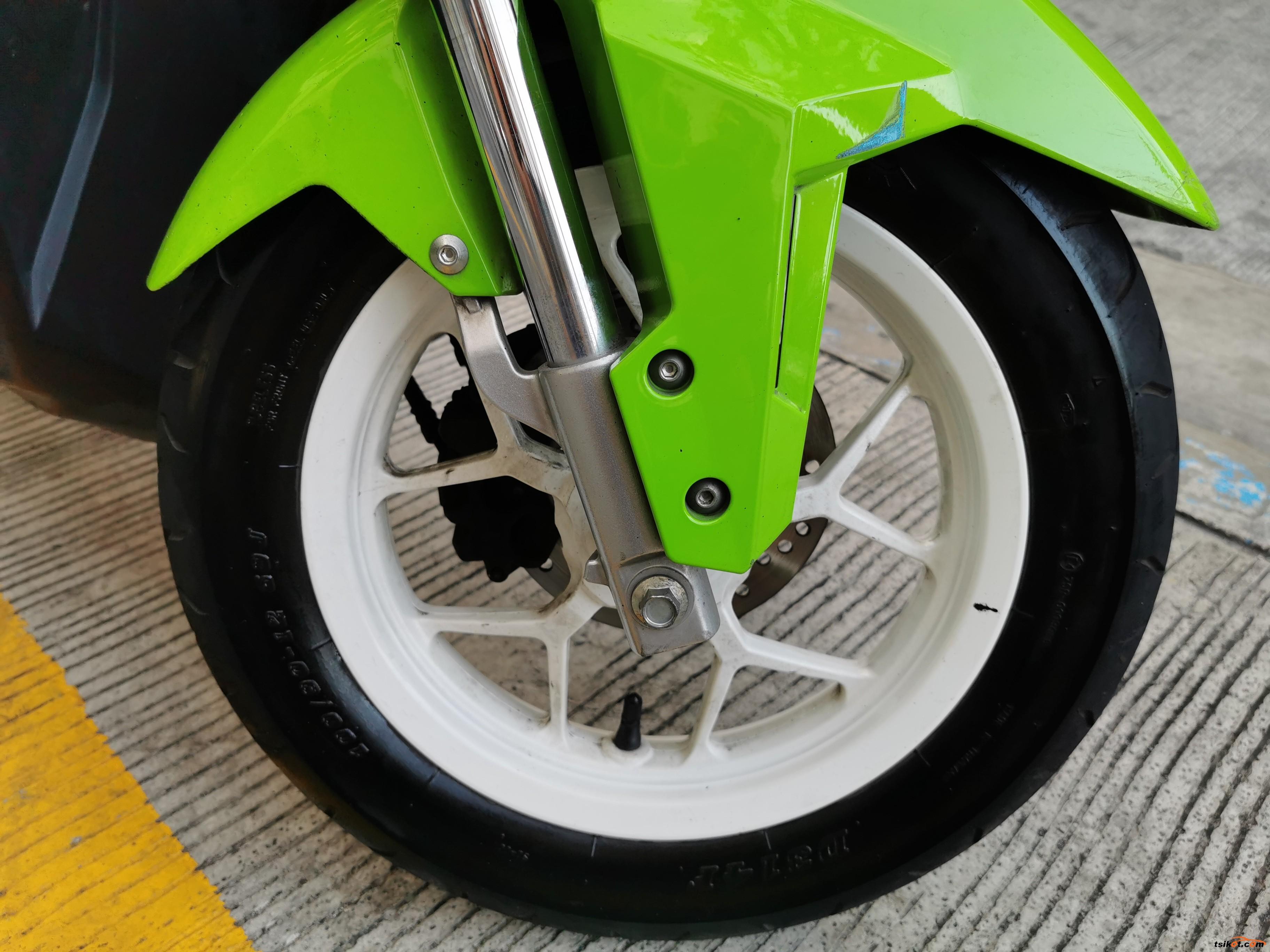 Honda Zoomer 2013 - 6