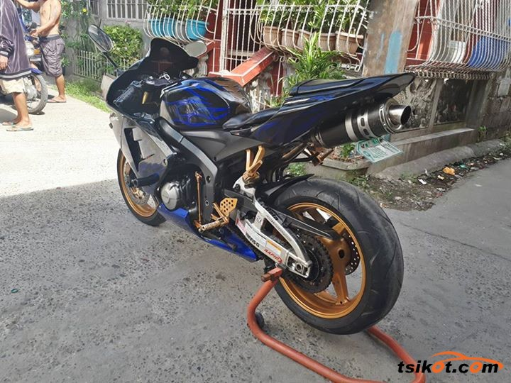 Honda Cbr 1000 Rr Fireblade 2006 - 2