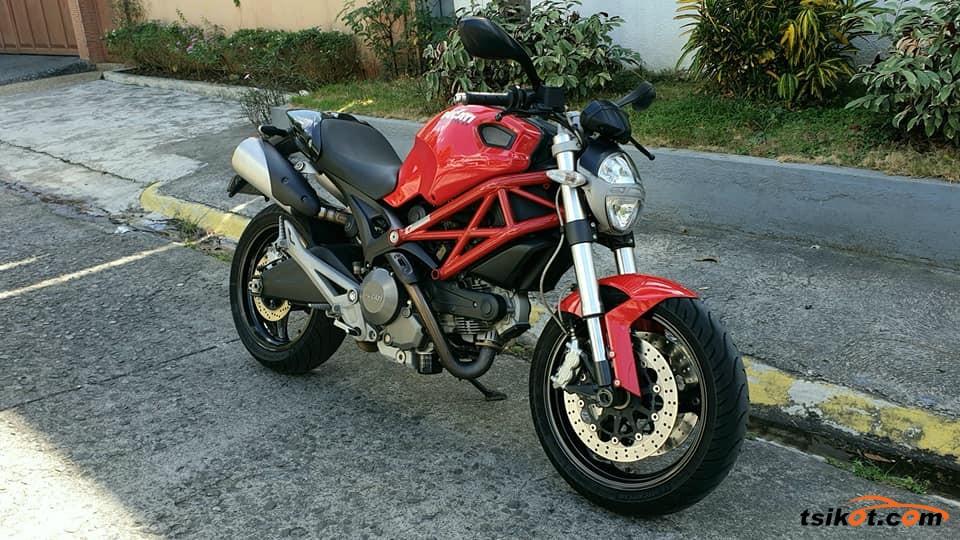 Ducati 750 Monster 1998 - 1