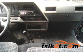 cars_10403_nissan_urvan_2010_10403_4