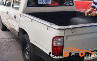 cars_12919_toyota_hilux_2004_12919_2