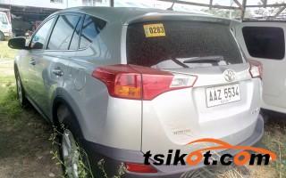 cars_13647_toyota_rav4_2014_13647_5