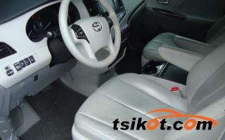 cars_14068_toyota_sienna_2013_14068_5