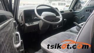 cars_15570_nissan_urvan_2013_15570_2
