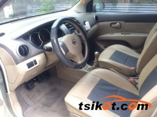 cars_16335_nissan_grand_livina_2010_16335_3