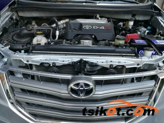cars_16608_toyota_innova_2016_16608_5