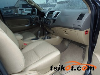 cars_16686_toyota_hi_lux_2012_16686_2