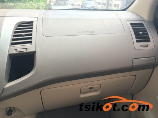 cars_16997_toyota_fortuner_2005_16997_3