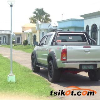cars_17004_toyota_hilux_2009_17004_2