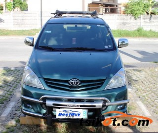 cars_17744_toyota_innova_2011_17744_2